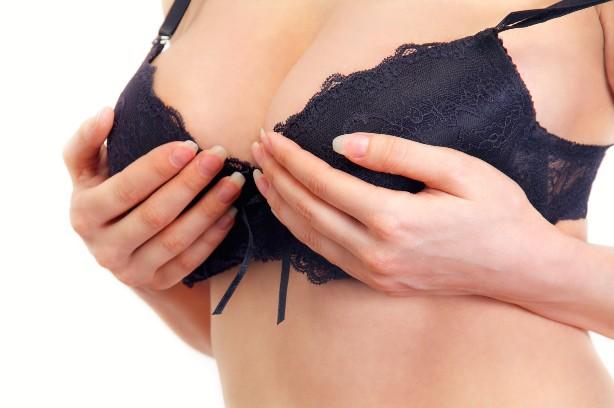 фото женских бюстов